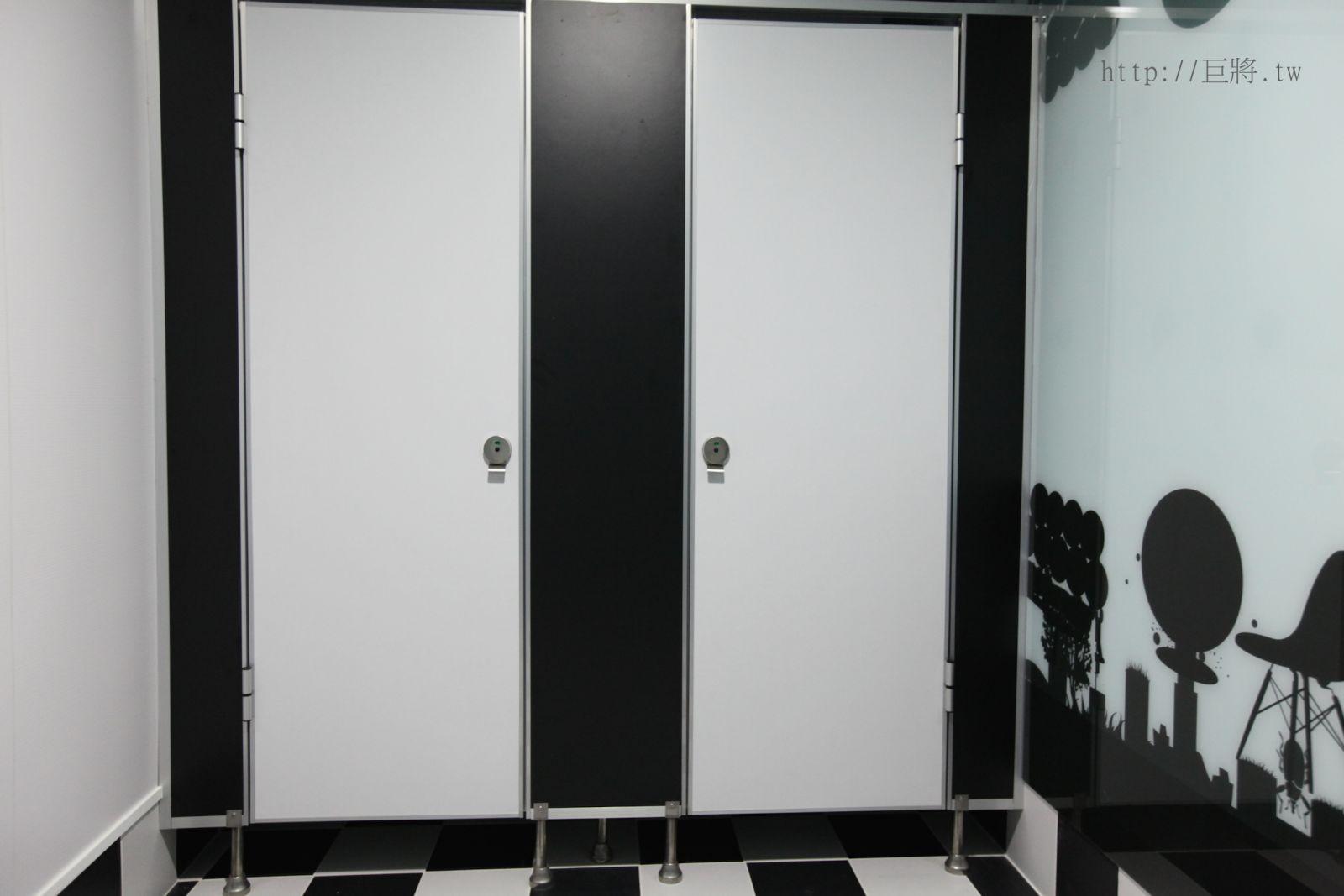 廁所搗擺隔間